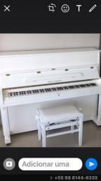 Piano novo branco