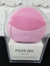 Esponja facial elétrica Rosa Forever na caixa nunca usada