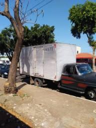 Caminhão bau/mudanças/fretes