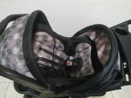 Carrinho e bebê conforto cosco moove