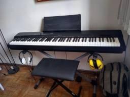 Título do anúncio: Lindo Piano Digital - Teclas Emulando Marfim !!!