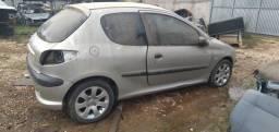Título do anúncio: Peugeot 206 2006/2007 1.4 Flex sucata para retirada de peças.