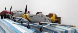 Aeromodelo P51-D Mustang Kit ARF EP GP trens de pouso retráteis.