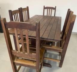 Mesa em imbuia com 6 cadeiras