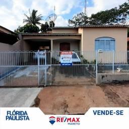Título do anúncio: Casa com 3 quartos à venda no centro de Flórida Paulista.