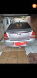 Vendo Toyota Etios completo do completo