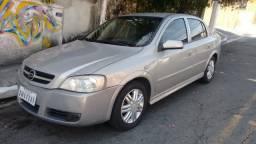 Astra CD Sedan Automático