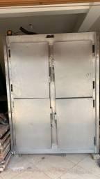 Geladeira em aço inox 4 portas c motor