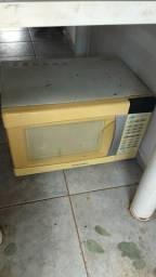 Um microondas 18 litros