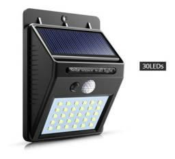 Título do anúncio: Luminária refletor Parede Solar 30 e 100 Leds Sensor (Leia)