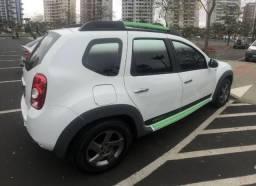 Duster 2014 - tech road 2.0 - automático - 46 mil km - 2014