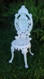 Cadeira de jardim antiga