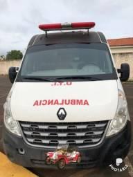 Vendo ambulância Renault master L2H2 - 2014