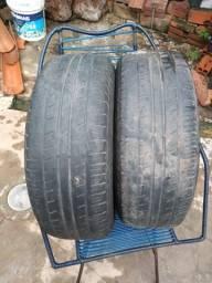 Par de pneu usado da marca Pirelli por apenas r$ 30