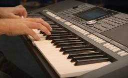 Saia do zero para os primeiros acordes em uma aula gratuita no teclado!
