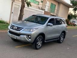 Toyota Hilux SW4 SR 2.7 2017/2107 com apenas 38.000 km