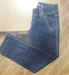 Calça jeans  e Macaquinho de cetim