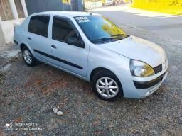 Renault Clio Sadan 2004
