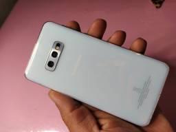 Galaxy S10e novinho!