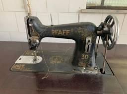 Título do anúncio: Máquina de costura Pfaff 30/31 com mesa e pedal original