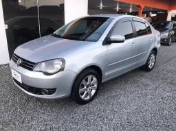 Volkswagen Polo Sedan Comfortline 2013 1.6 I-Motion Flex 8v
