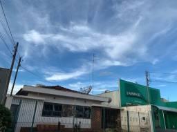 Casa 3 dmt à venda no Centro, Ourinhos-SP (entre Duks Pizzaria e Farmaliz)