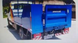 Vendo Plataforma eletro hidráulica rampa marca Marksell para elevação de carga