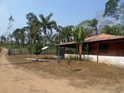 Confortável sítio 10 hectares margem do Rio Garça
