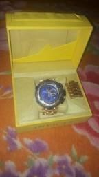 Relógio ivictar 700 reais