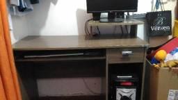 Escrivaninha ou mesa de computador
