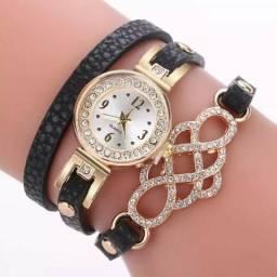 8495aaf89cf Relógio com pulseira preta