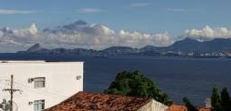 Linda e confortável casa de 2 andares no Jardim Guanabara
