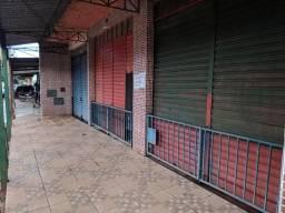 Alugo lojas na avenida principal do Pedregal