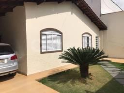 Casa Térrea no Parque das Laranjeiras, 3 quartos sendo 1 suite, 3 vagas