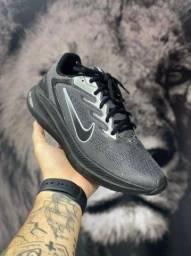Título do anúncio: Tênis Nike Black