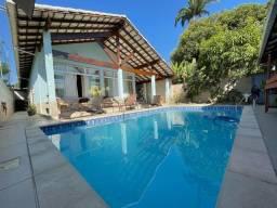 Casa espetacular de 04 quartos e piscina aquecida em Jacaraipe.