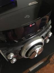 LG XBOOM CM8440