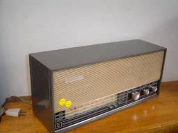 Radio Philips antigo funcionando