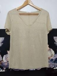 Título do anúncio: Blusa com fio dourado