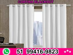 Título do anúncio: Cortina Blackout Corta 100% A Luz 2,80 X 2,30 Varão Normal