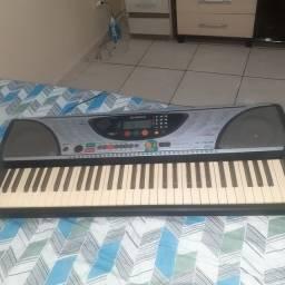 Teclado Yamaha psr 240