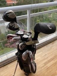 Conjunto completo de tacos de golfe em excelente estado