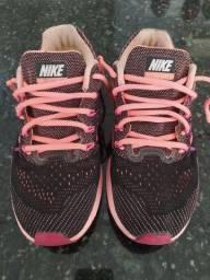 Tênis Nike zoom vomero 10 Tam. 37