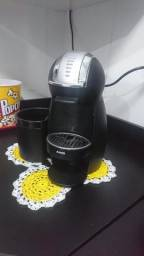 Cafeteira Dolce Gusto Genius II Nescafé