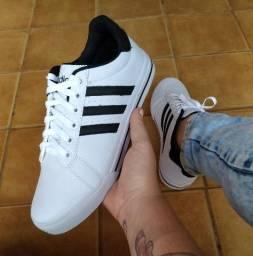 Tênis Adidas branco com preto barato