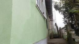 Casa Rua Casemiro de Abreu a poucos minutos do Centro. 2 quartos