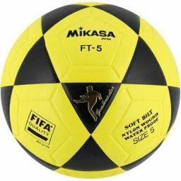 3704a7ecc5493 Bola de futevolei mikasa ft5 original