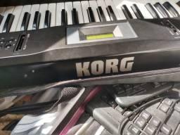 Teclado Korg X5D(Com defeito) troco em celular!