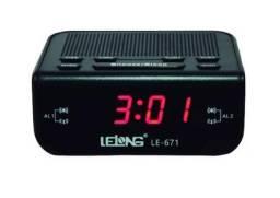 Relógio Despertador Digital Elétrico De Mesa Radio Am Fm Le-671