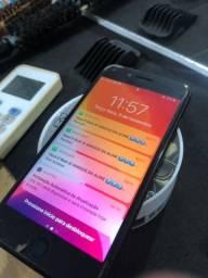 IPhone 7 32Gb trincado só na película tudo ok